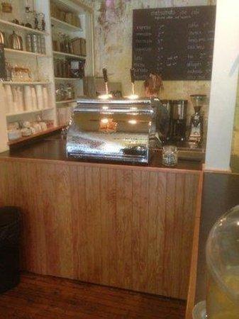 Matsumoto Joe Cafe: The beautiful espresso machine at Matsumoto Joe!