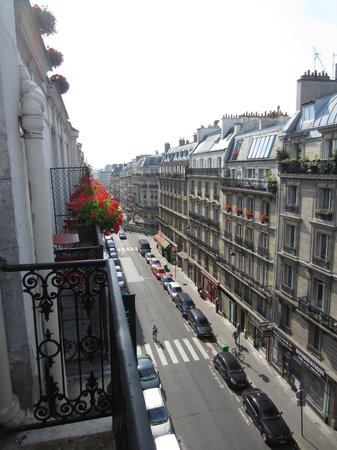 Best Western Paris Gare Saint Lazare: view