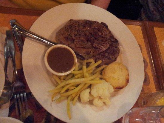 Best Western Plus Hotel Universel Drummondville: My Aunts Meal