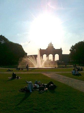 Best Western Plus Park Hotel Brussels: Parc du Cinquantenaire - fontana e Arco du Cinquantenaire