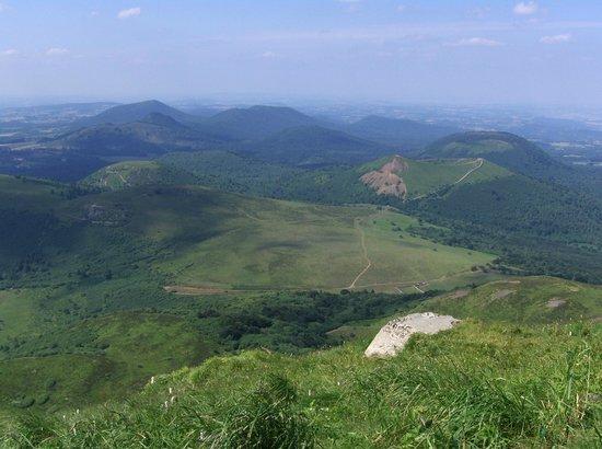 Parc naturel régional des Volcans d'Auvergne : Vu sur le Puy du Pariou