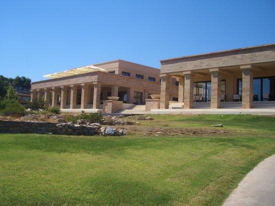 Cape Sounio, Grecotel Exclusive Resort : Central building