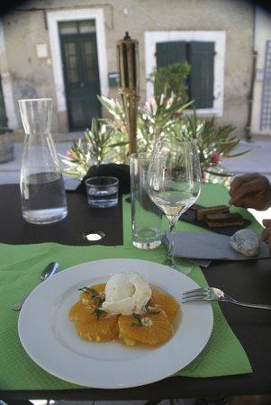 Hotel Restaurant l'Arbre de Mai: Carpacio d'orange; simple but fresh and lovely dessert!