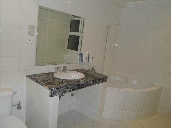 Hotel Fes Inn - Sodetel : Well bathroom again