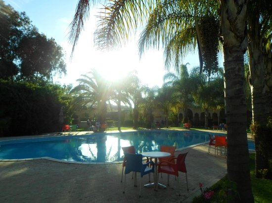 Hotel Fes Inn - Sodetel: The amazing pool with the sunset
