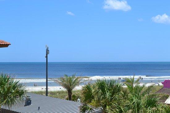 Best Western Oceanfront: beach area