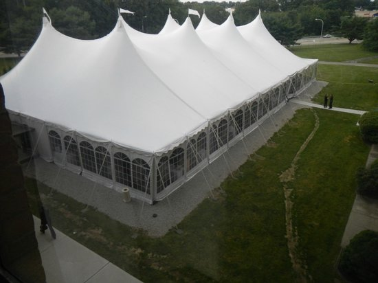 Crowne Plaza Providence-Warwick Airport: Wedding tent adjacent to room.