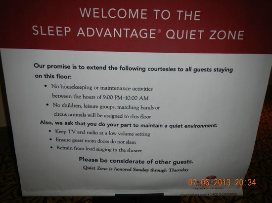 Crowne Plaza Providence-Warwick Airport: Sign said no excessive noise - but they booked a big wedding event.