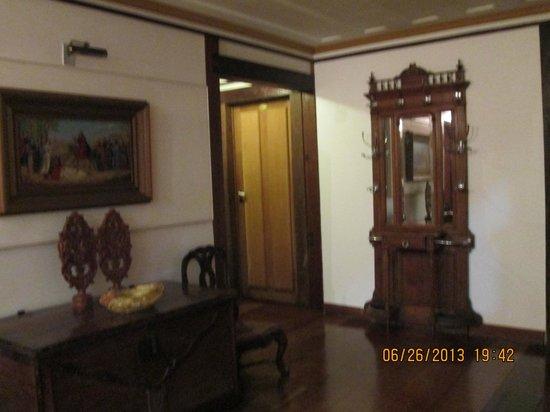 Pousada Do Mondego: entrada de um dos quartos