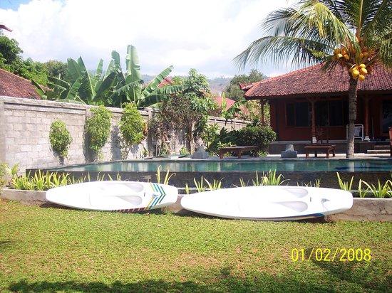 Pondok Bali Beach Front: kayaks