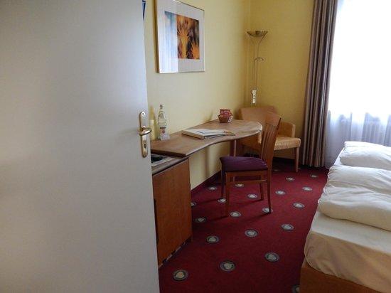 Golden Leaf Parkhotel im Lehel: Room