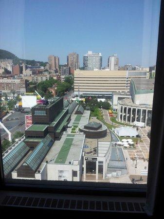 Hyatt Regency Montreal: View of 7th floor facing st-catherine street