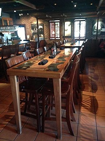 Carrabba's Italian Grill : Long table
