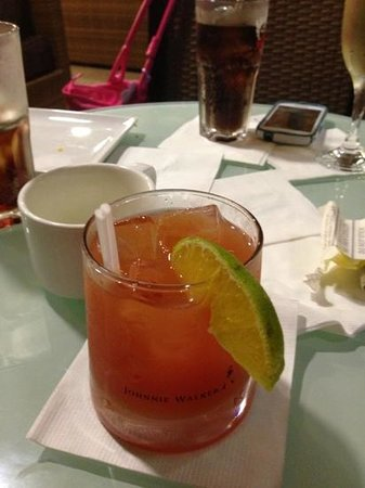 Doctors Cave Beach Hotel: rum punch...all beverages are included into the price
