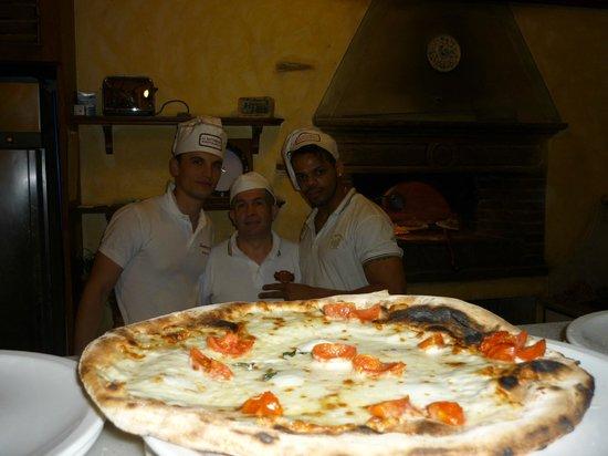 Al Battibecco: La creazione dello staff pizzeria