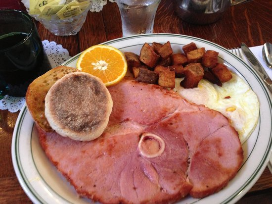 Tolly's: Fantastic ham & eggs