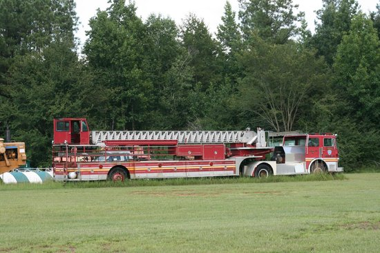 old firetruck located across the airfield from the pik n pig
