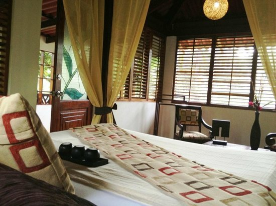 Casa Corcovado Jungle Lodge: Each offers laid-back comfort and style in harmony with the natural surroundings.