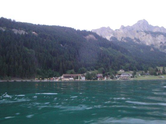 Nesselwaengle, Österreich: Das Bild entstand bei einer romantischen Abend-Bootsfahrt auf dem Haldensee mit dem Hotel-eigene