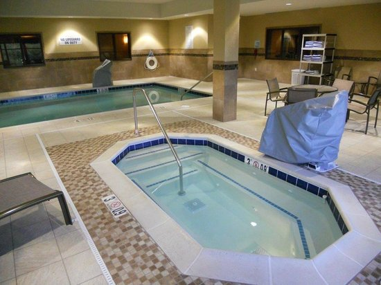 Holiday Inn Express & Suites Butte : Pool and Spa