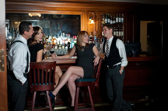Union Club British Columbia : McGregor Bar