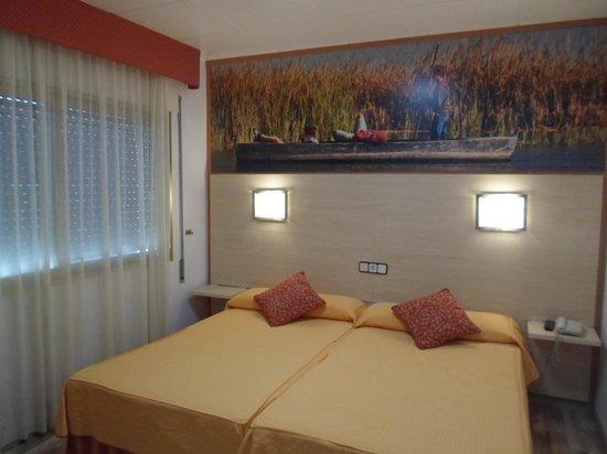 Photo of Hotel Tortosa Parc