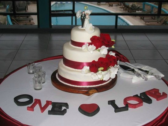 Negril Escape Resort & Spa: Our beautiful cake
