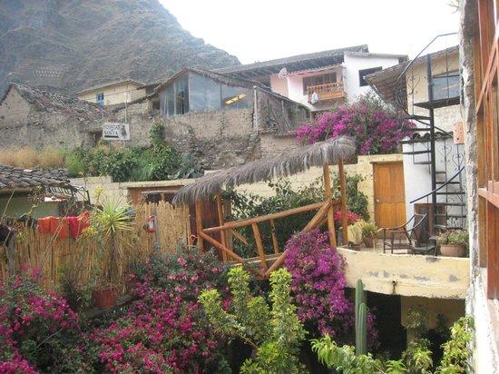 KB Tambo Hostal: More garden view