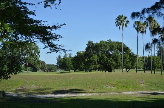 Sleep Inn at Miami International Airport: Campo de Golf ao fundo