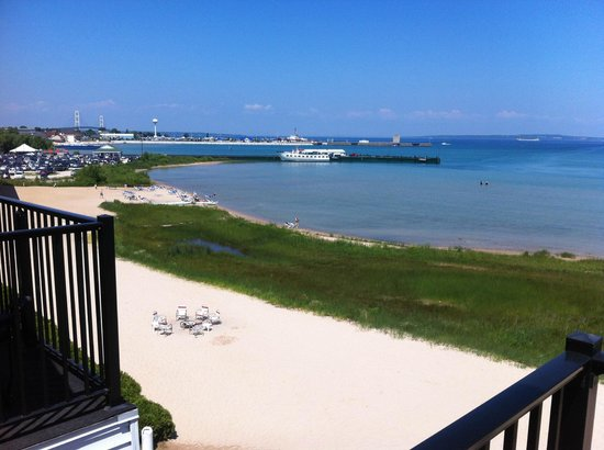 Quality Inn & Suites Beachfront: Arnold Ferry view from balcony
