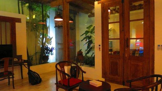 Bali Ginger Suites: Shikumen Suite