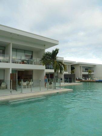 Pool Resort Port Douglas: Lower level Apartment 45 (with palm tree)
