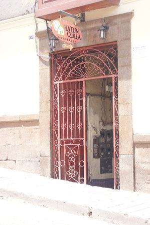 Casa Hospedaje Hatun Quilla: ENTRADA PRINCIPAL
