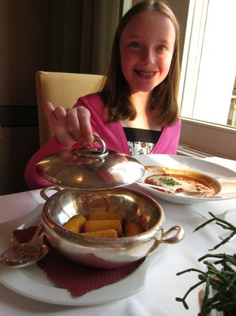 Restaurant Belvedere: Even the kids' meals were served very elegantly!