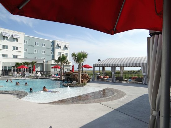 TownePlace Suites Galveston Island Gulf Front: Alberca