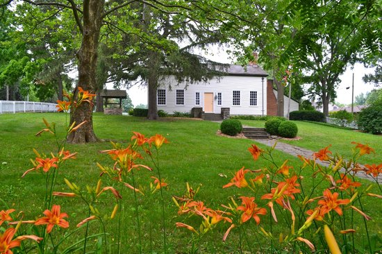 Laura Secord Homestead : House and gardens