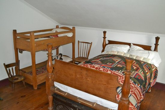 Laura Secord Homestead : One of the bedrooms