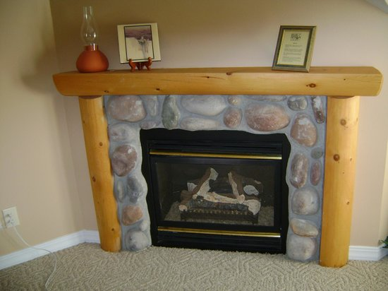 Blue Heron Inn : Nice fireplace
