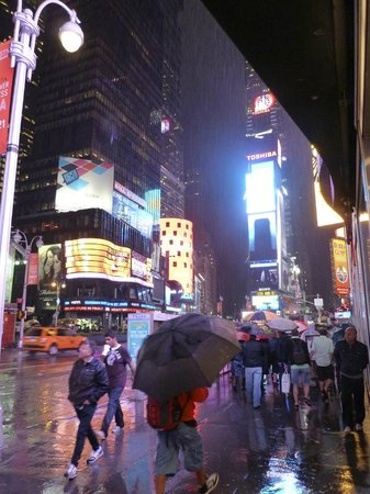 Hotel Edison Times Square: One minute from The Edison, in the rain