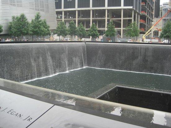 Le survivant picture of 911 ground zero tour new - Ground zero pools ...