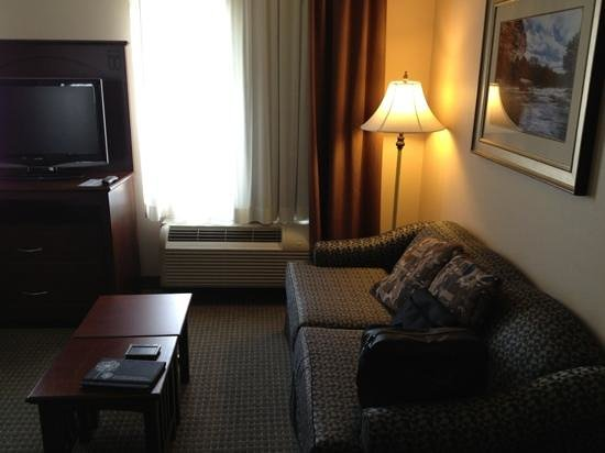 Staybridge Suites Guelph: sofa and t