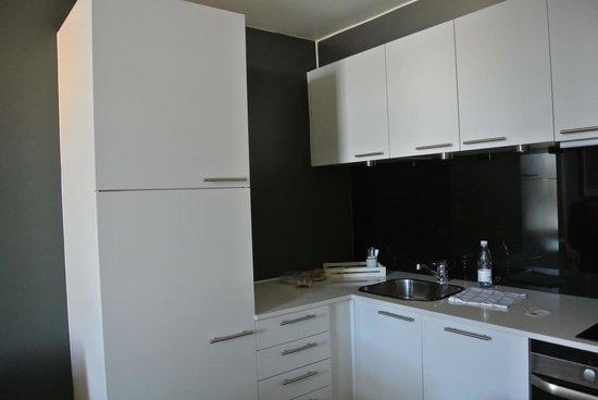 Adina Apartment Hotel Copenhagen : Kitchen in 1-bedroom Apartment