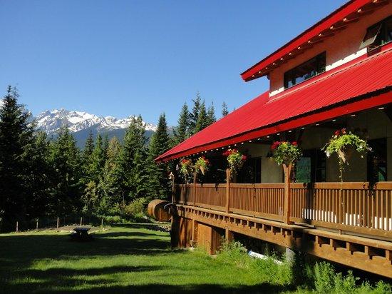 Heather Mountain Lodge: The main lodge