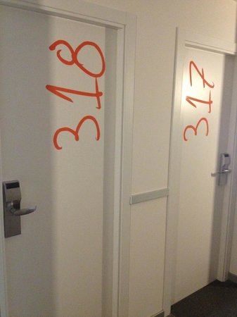Hotel Bed4u Pamplona : Interesting room numbers
