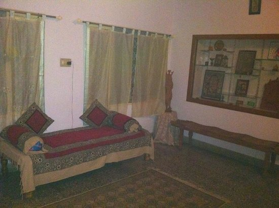 Mysore Bed and Breakfast : Lovely seating area
