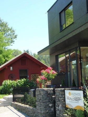 Winzerhotel Wurzenberg : Küche im Nebengebäude