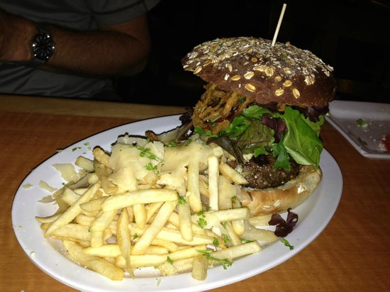 Encinitas Ale House: The Kobe Burger