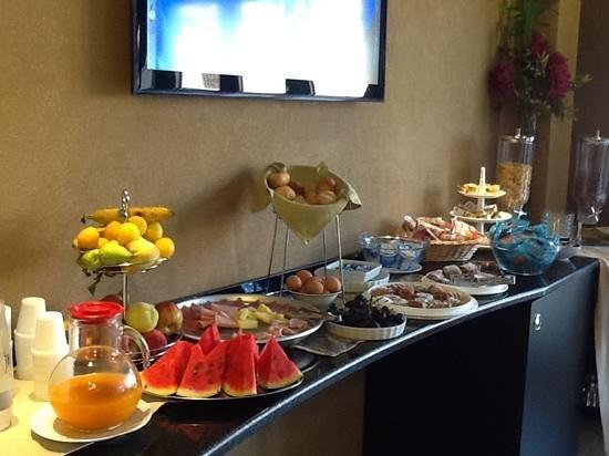 Melqart Hotel: breakfast