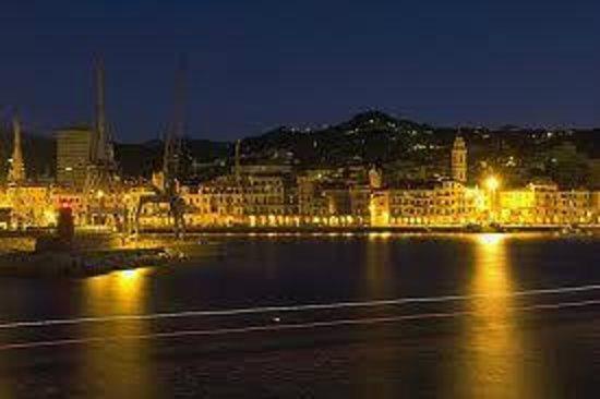 Ethnohotel B&B Villa Rosa dei Venti: Porto di Diano Marina Notturno