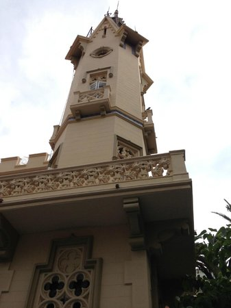 Hotel El Xalet: tower in main hotel building